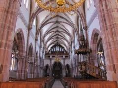 Eglise catholique -  Alsace, Bas-Rhin, Still, Église Saint-Mathias (PA00085010, IA67011366): Vue intérieure de la nef vers la tribune d'orgue.