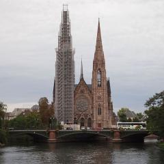 Eglise réformée Saint-Paul - English: St.Paul church in Strasbourg during restauration in September 2011