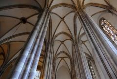 Eglise Saint-Thomas - Alsace, Bas-Rhin, Église protestante Saint-Thomas de Strasbourg, 4 rue Martin-Luther  (PA00085032). Voûtes de la nef gothique (église-halle ou Hallenkirche: les bas-côtés sont de la même hauteur que la nef.)