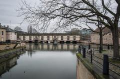 Grande écluse de fortification dite barrage Vauban et ses abords fortifiés - English: Barrage Vauban from Quai Turckheim