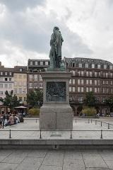 Monument du général Kléber - English: Monument du général Kléber Left view