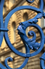 Ancien Palais impérial allemand ou Kaiserpalatz, dit Palais du Rhin - Strasbourg, Palais du Rhin, décor de ferronnerie du parc caricaturant l'empereur Guillaume II de Hohenzollern