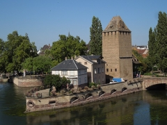 Ponts couverts - This building is indexed in the Base Mérimée, a database of architectural heritage maintained by the French Ministry of Culture, under the reference PA00085192 .