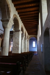 Ancienne collégiale Saint-Arbogast -  Alsace, Bas-Rhin, Surbourg, Abbatiale Saint-Jean-Baptiste (PA00085200, IA00119029): Bas-côté, Arcades avec alternance de piliers carrés et de colonnes à chapiteaux cubiques.