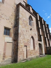 Abbaye Saint-Walburge£ -  Alsace, Bas-Rhin, Walbourg, Église abbatiale Sainte-Walburge (PA00085208, IA67008491): Contreforts de la façade sud.