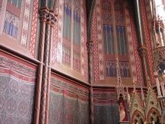 Eglise Saints-Pierre-et-Paul - Alsace, Bas-Rhin, Wissembourg, Église abbatiale Saints-Pierre-et-Paul (PA00085247, IA67008036): Fresques néo-gothiques (XIXe) autour de l'autel secondaire