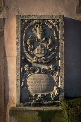 Eglise protestante Saint-Pierre -  Wolfisheim le monument funéraire scellé sur le mur der l'église protestante Saint-Pierre PA00085265