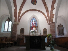 Eglise et cimetière de Balbronn -  Alsace, Bas-Rhin, Balbronn, Église protestante (PA00085276, IA67006522). Chœur avec l'autel.