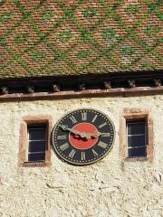 Vestiges des anciennes fortifications - Horloge de la Porte Haute de Bergheim (Haut-Rhin, France).