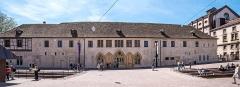 Ancien couvent des Unterlinden - Deutsch: Bilder aus Colmar Unterlindenmuseum Haupteingang