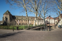 Ancien couvent des Unterlinden - This building is indexed in the Base Mérimée, a database of architectural heritage maintained by the French Ministry of Culture, under the reference PA00085365 .