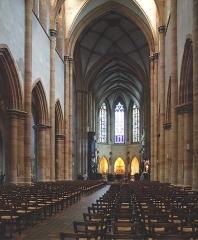 Ancienne collégiale Saint-Martin - Deutsch: Das Martins-Münster wurde im 13 und 14 Jh. erbaut