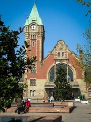 Gare centrale des voyageurs -  Train station.