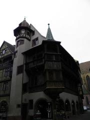 Maison Pfister - Rue des Marchands, maison Pfister et collégiale Saint-Martin à Colmar (Haut-Rhin, France).