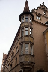 Maison - This building is indexed in the Base Mérimée, a database of architectural heritage maintained by the French Ministry of Culture,under the reference PA00085388 .