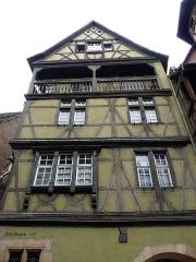 Maison - Français:   Maison zum Kragen, 1419, avec poteau-cornier sculpté, au 9 rue des Marchands à Colmar (Haut-Rhin, France).