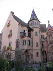 Ancien château impérial dit de Saint-Léon-Pfalz, ancien château des évêques de Strasbourg - Français:   Château des comtes d\'Eguisheim à Eguisheim (Haut-Rhin, France).