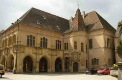 Hôtel de la Couronne, dit aussi Palais de la Régence -