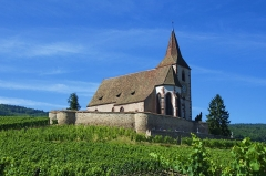 Eglise mixte Saint-Jacques-le-Majeur et son enceinte fortifiée - Église mixte Saint-Jacques-le-Majeur, classée 1972