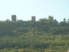 Ruines des châteaux de Weckmund et de Wahlenbourg - Français:   Vue depuis Husseren-les-Châteaux: châteaux du Weckmund, du Walhenbourg et du Dagsbourg (Haut-Rhin, France).