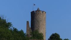 Château dit Schlossberg et enceinte - Français:   Château
