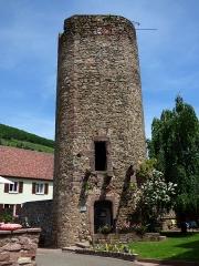 Tour dite des Sorcières dans le jardin de l'Hôtel Chambord -  Alsace, Haut-Rhin, Kaysersberg, Tour des Sorcières (dans le jardin de l'Hôtel Chambard (XIIIe-XVe)
