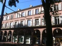 Immeuble bordant le square de la Bourse - Français:   Immeuble, 7 avenue du Maréchal-Foch (Inscrit, 1986)