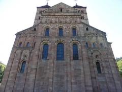 Ancienne abbaye - Alsace, Haut-Rhin, Église abbatiale Saint-Léger (XIIe) de Murbach (PA00085554, IA00054802, IA00054801).