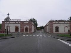 Remparts - Porte de Bâle à Neuf-Brisach (Haut-Rhin, France).