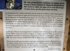 Statue monumentale de la Vierge à l'Enfant dite Vierge d'Alsace ou à l'Offrande - Français:   Panneau explicatif sur la statue de la Vierge d\'Alsace. Niederbruck. Haut-Rhin.