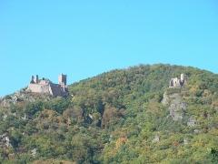 Châteaux de Guirsberg, de Haut-Ribeaupierre et de Saint-Ulrich - Français:   Châteaux du Saint-Ulrich (528 m) et du Girsberg (528 m) à Ribeauvillé (Haut-Rhin, France).