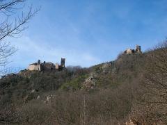 Châteaux de Guirsberg, de Haut-Ribeaupierre et de Saint-Ulrich - Français:   Château du Saint-Ulrich (528 m) et château du Girsberg (528 m) à Ribeauvillé (Haut-Rhin, France).