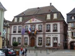Hôtel de ville - Français:   Hôtel de ville