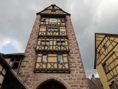 Anciennes fortifications - Français:   Alsace, Haut-Rhin, Riquewihr, Porte haute de l\'enceinte de fortification médiévale dite \