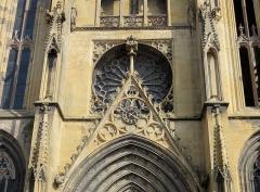 Eglise Saint-Arbogast, puis Notre-Dame de l'Assomption - Français:   Alsace, Haut-Rhin, Église Notre-Dame de l\'Assomption de Rouffach (PA00085638, IA68004432): Gâble du portail et rosace (vue extérieure).