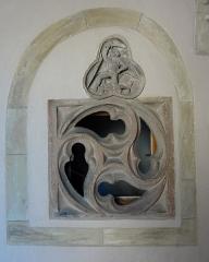 Ancien bâtiment conventuel - Français:   Alsace, Haut-Rhin, Lautenbach, Ancien bâtiment conventuel (1517), aujourd\'hui mairie: Fenêtre et relief \