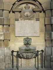 Fontaine du Trahoir - English: Fontain of the Croix du Trahoir, Paris 1st arr.)