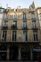 Immeuble - Deutsch: 52 rue de l'Arbre-Sec in Paris, 1. Arrondissement