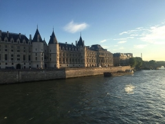 Palais de Justice ou Conciergerie - This building is indexed in the Base Mérimée, a database of architectural heritage maintained by the French Ministry of Culture,under the reference PA00085991 .