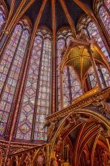 Sainte-Chapelle - Tribune des reliques dans l'abside de la chapelle haute.