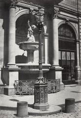 Fontaine publique -