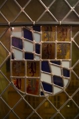 Ancien hôtel des ducs de Bourgogne : Tour de Jean Sans Peur - English: Stained glass in Jean-sans-Peur Tower (1411), Paris, France, displaying the arms of Margaret of Bavaria, wife of John the Fearless.