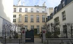 Ancien hôtel particulier - Français:   Rue Saint-Fiacre (n°8) - Paris II
