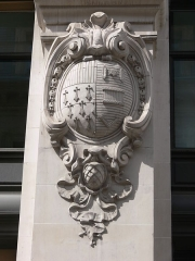 Immeuble du Crédit Lyonnais (siège) - Français:   Paris - siège du Crédit lyonnais - rue de Gramont. Armoiries de Roubaix.