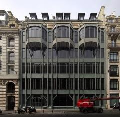 Immeuble, ancien siège du quotidien Le Parisien Libéré - English: 124 rue Réaumur, Paris 2nd arrondissement; façade of the builing.
