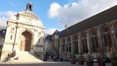 Ancienne abbaye Saint-Martin-des-Champs, actuellement Conservatoire National des Arts et Métiers et Musée National des Techniques - Français:   Conservatoire National des Arts et Métiers