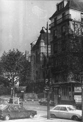 """Ancienne boulangerie, actuel restaurant """"Chez Julien"""" -  Paris, rue de l'Hôtel de Ville, Saint Gervais, Chez Julien, in year 1981"""