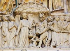 Cathédrale Notre-Dame - Español: Catedral gótica construida del 1163 al 1345. Dedicada a la Madre de Jesús - Puerta principal dedicada al Juicio Final  - Francia