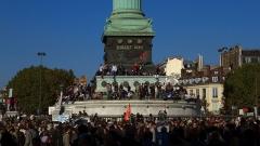 Colonne commémorative dite Colonne de Juillet - La prise de la Bastille durant les manifestations de l'automne 2010 contre la réforme des retraites.