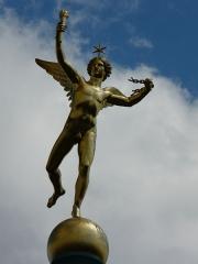 Colonne commémorative dite Colonne de Juillet - Génie de la Liberté (1835) par Augustin Dumont (Français, 1801-1884), au sommet de la Colonne de Juillet. Place de la Bastille Paris VIe